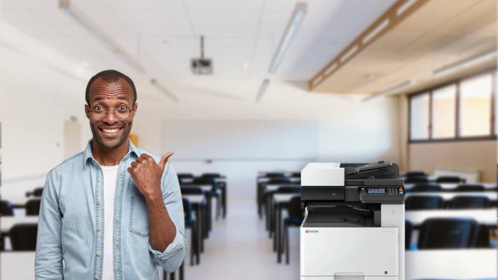 Como o gerenciamento de impressão ajuda na economia do escritório?